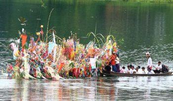 งานเทศกาลบุญเดือนสิบลอยเรือสะเดาะเคราะห์